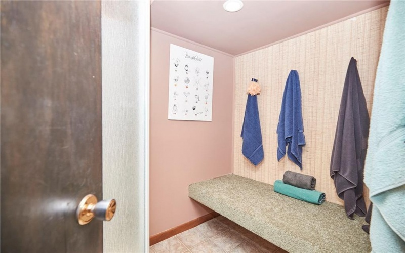 3323 Seventeenth Street, St. Catharines, ON, 4 Bedrooms Bedrooms, ,2.2 BathroomsBathrooms,Residential,For Sale,Seventeenth,30790433