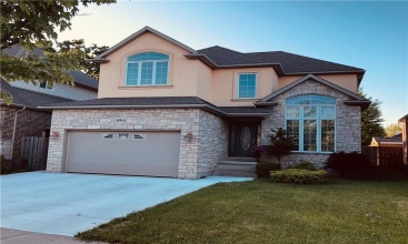 8915 McGarry Drive, Niagara Falls, ON, 4 Bedrooms Bedrooms, ,4 BathroomsBathrooms,Residential,For Sale,McGarry,30796097