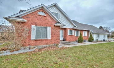 4 Settlers Court, Niagara-on-the-Lake, ON, 6 Bedrooms Bedrooms, ,5 BathroomsBathrooms,Residential,For Sale,Settlers,30821525