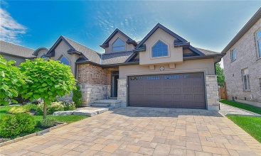 10 Tuscany Court, St. Catharines, ON, 3 Bedrooms Bedrooms, ,3.1 BathroomsBathrooms,Residential,For Sale,Tuscany,30821809
