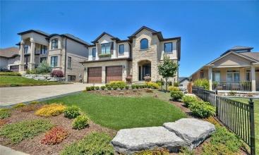 12 KENMIR Avenue, Niagara-on-the-Lake, ON, 4 Bedrooms Bedrooms, ,3.1 BathroomsBathrooms,Residential,For Sale,KENMIR,30823420